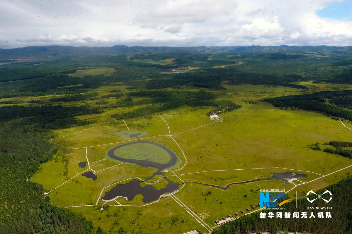七星湖是塞罕坝国家森林公园新开发的重点旅游风景点,位于塞罕坝