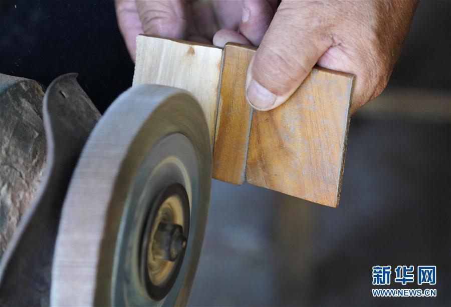 (文化)(1)雄安農民用手工木船打造白洋淀記憶