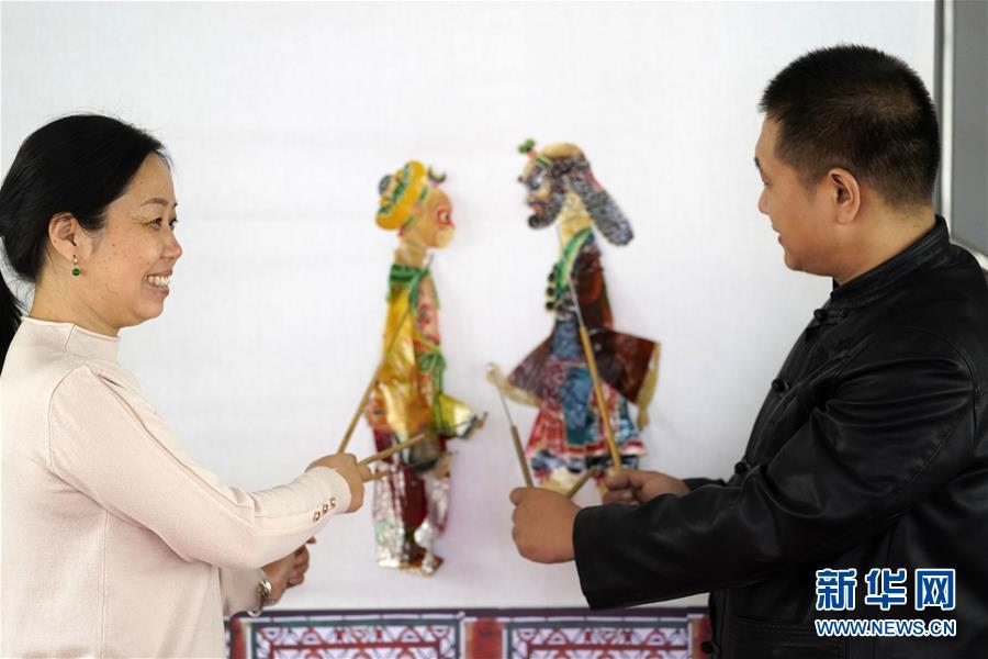 (文化)(3)河北迁安:农民夫妇传承皮影文化