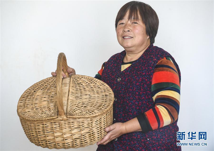 (經濟)(1)河北永清:學柳編 助增收