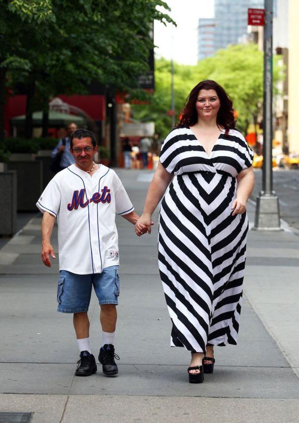 组图:美大块头女模超250斤 自称性感胖女人 新