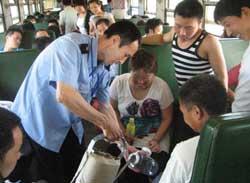 邯鄲車務段暑運發送旅客創新高
