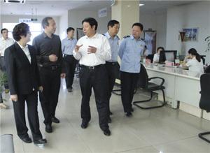 王月衡到涿州市政務服務中心調研