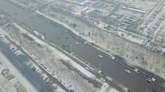 河北多地迎來入冬初雪