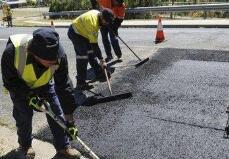 石家庄:中山路提升改造 部分路段围挡施工