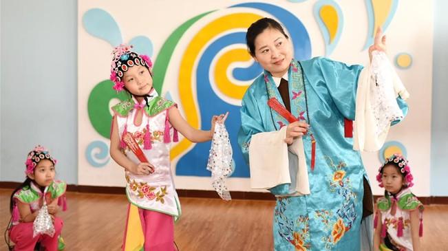 河北衡水:戏曲文化进校园