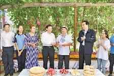 冀代表团到新疆考察