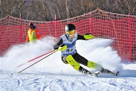 """河北冰雪竞技运动:让运动员""""塔基""""厚起来"""