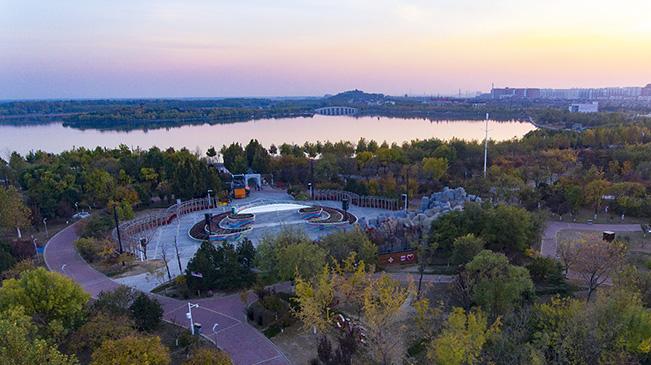 俯瞰河北唐山多彩南湖生态风景区