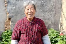 河北河间八旬姐姐照顾病弟70年:我想老得慢一些