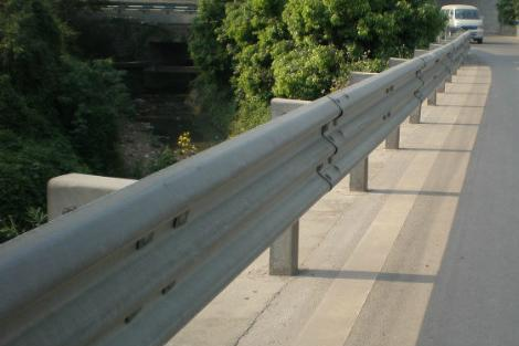 河北:拆除清理高速公路沿线广告设施227座