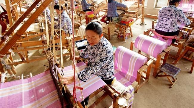 河北衡水:精准扶贫助力农村留守妇女就业