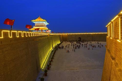 """河北正定古城保护""""带火""""旅游业"""