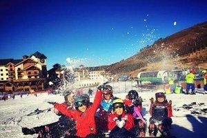 张家口将有三万中小学生体验冰雪运动