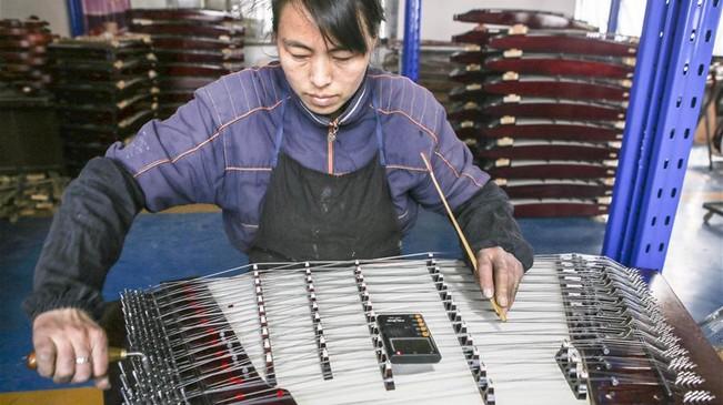 饒陽:傳統手工技藝助力民族樂器制作發展