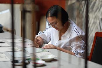 河北石家莊:皮革産業助民增收