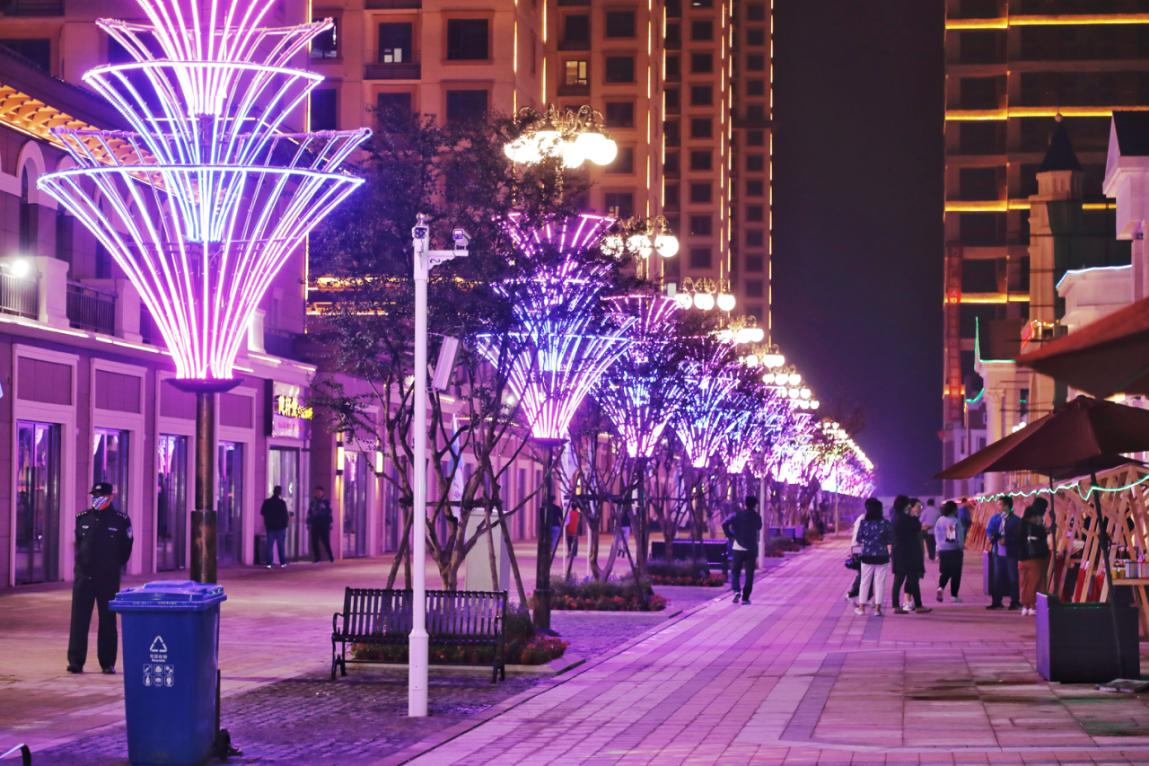 越夜越精彩!第四屆保定旅發大會參會嘉賓打卡安國華海步行街