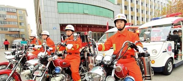 海港区举行女子消防宣传队出征活动