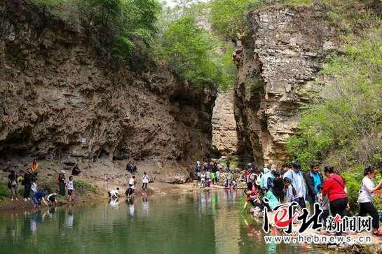 唐县全胜峡景区双节旅游火爆