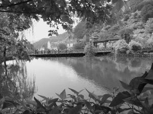 【铁算盘四肖中特期期准免费公开资料】石家庄灵寿县所有景区向全国警察免费开放