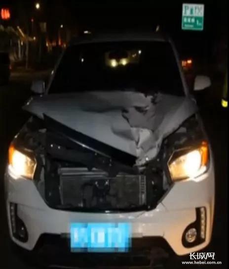 行人过马路被撞飞两次 究竟是什么原因?