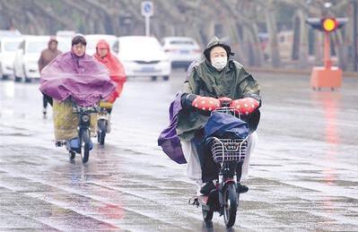 河北省大部降下春雨 今晨最低气温继续下降