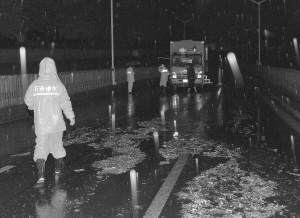 石家庄市城管系统积极应对强降雨天气